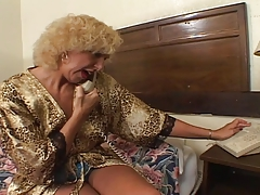 old blondie granny humping..