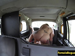 Les taxi driver gobbling..