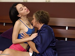 Granny at lesbian hump with..