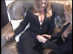 Brit Mummy lesbos in tights
